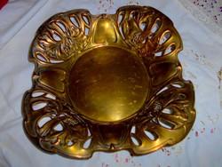 Antik áttört szegéllyel  szecessziós gyümölcsös  tál  alsó részen  régi ezüstözés nyomaival