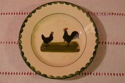 Körmöcbányai fali tányér tyúkos-kakasos mintával, 22 cm