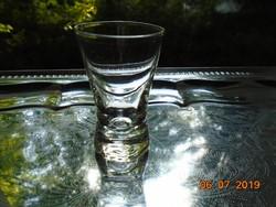 Kis vastag talpú pohár
