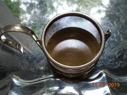 Ezüstözött tea csepegtető fém hálós szűrővel