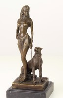 Kleopátra párduccal bronz szobor