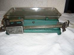 "Salgótarjáni ""Hermes"" háztartási mérleg 6 kg zöld"
