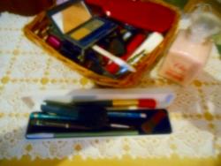 Szépségápolási és  Pipere cikkek (1)