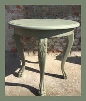 Kecses, oroszlán lábas étkező asztal vagy szalon asztalka.. arannyal antikolva