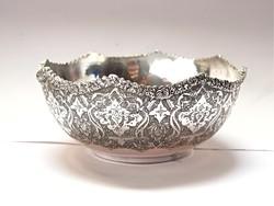 Díszes perzsa ezüst tál.