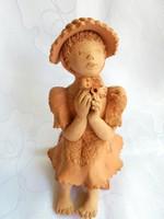 Illár Erzsébet terrakotta szobor