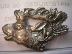 Antik,ezüstözött szarvas bross 5 x 3.5-Cm