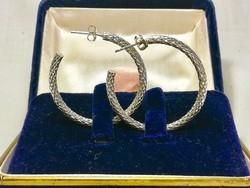 Eladó kézműves nagy és vastag  antik karika fülbevaló, amely jelzett ezüst 925-ös  és vésett