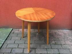 Retro kerek asztal körasztal 1970-es évekből