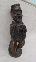 Antik Afrika vadász, egy fából faragva, gyűjteményből. 58 cm.