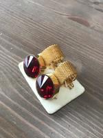 Régi mandzsettagomb rubin színű kristály kővel