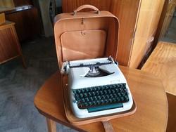 Régi retro írógép táskaírógép