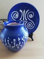Régi kék-fehér kerámia váza és falitányér