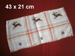 Nagyon régi kézzel hímzett szarvas mintás keresztszemes terítő 43 x 21 cm