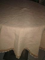 Csodaszép antik mogyoróbarna kerek szőttes terítő