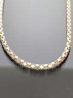Gyönyörű ezüst nyaklánc