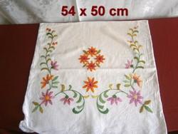 Kézzel hímzett virág mintás vászon díszpárna huzat, párnahuzat 54 x 50 cm