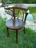Nagy karfás, szép és stabil Thonet szék eladó