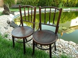 Szép, teljesen stabil eredeti antik Thonet szék pár eladó