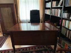 Hibátlan olasz íróasztal és bőr fogószék