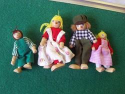 Fa játékfigurák együtt a család