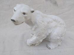 Hatalmas Royal Dux, antik jegesmedve.