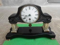 Kétoszlopos kandalló/asztali óra