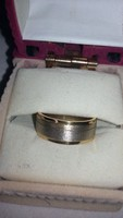 ÓJ arany karika gyűrű 11666 ft/gr modern kézzel készült 6 gr.