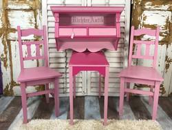 Shabby Chic, rózsaszínű antikolt falipolc.