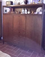 Retro mid century két ajtós, fiókos, lehajtható íróasztalos tömör fa , vitrines szekrény