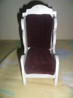 Baba szobába trón székek
