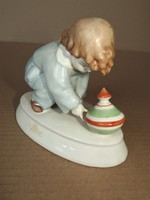 - Zsoonay porcelán - kisfiú búgócsigával -