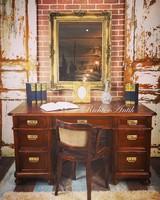 Felújított, Barokk író asztal.