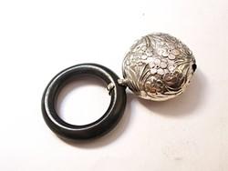 Antik francia ezüst baba csörgő.