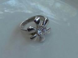 Szépséges, egyedi, köves ezüst gyűrű