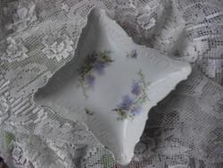 Kézzel festett, antik kínáló tál orgona és gyöngyvirág mintával
