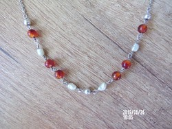 Ezüst nyaklánc borostyán és tenyésztett gyönggyel