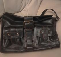 Sötétbarna Mangó női táska