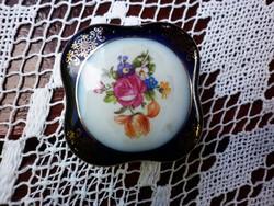 Gyönyörű gyűrűtartó porcelándoboz
