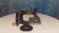 Antik Singer játék varrógép