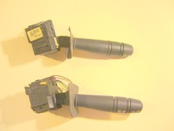 Kormánykapcsoló bal Renault Kangoo 1999 állítólag - MPL csomagautomatába is mehet