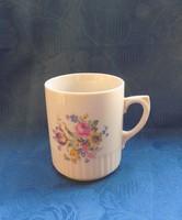 Zsolnay porcelán virágmintás szoknyás bögre (9/d)
