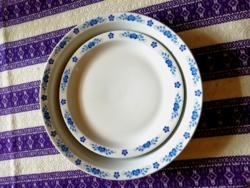 Kék mintás szélű Alföldi porcelán menzás tányér 1 főzelékes és 1 süteményes együtt