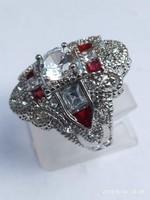 Vintage 925-s töltött ezüst (SF) gyűrű, rubin és fehér CZ kristályokkal