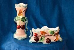 1850-1890-es évekből, Alt Wien, osztrák  majolika váza és asztalközép, sérülten.