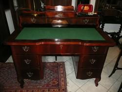 Álomszép politúros antik biedermeier kis méretű, építményes íróasztal szép és stabil állapotban