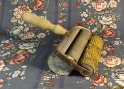 Festőhenger etetővel 15 cm  -es