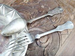 Régi alpakka villa kanál vintage evőeszköz 2 db