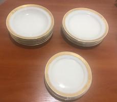 Aranyozott szegélyű Alföldi porcelán készlet 18 db-os