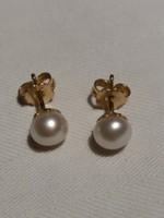 Gyöngy fülbevaló arany foglalatban